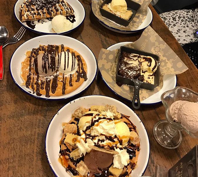 pancake-table_0000_image00016.jpg